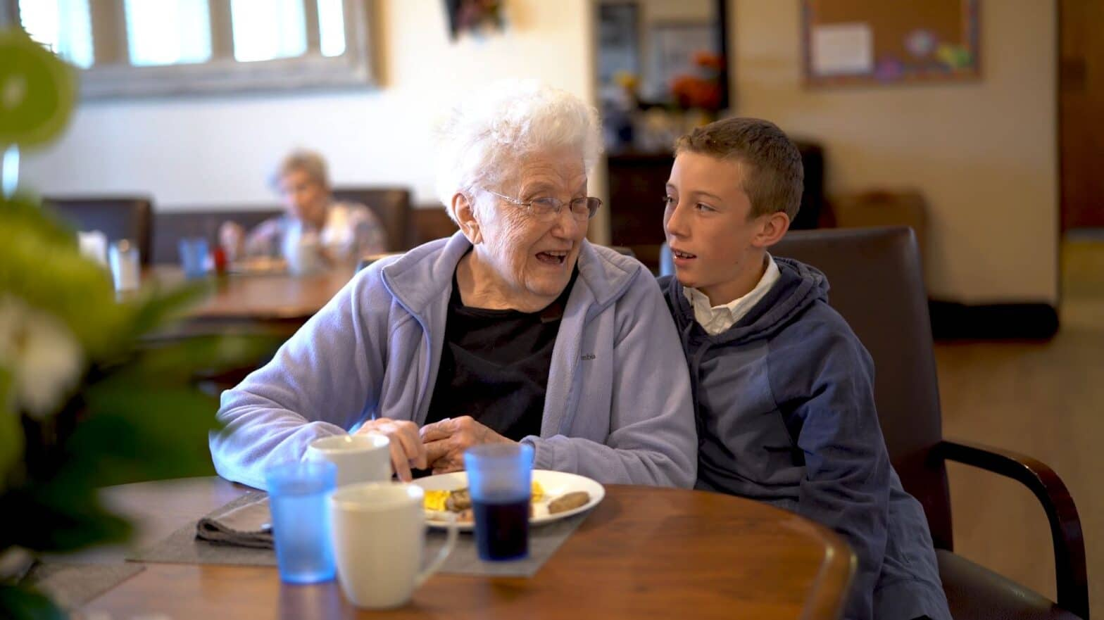 Breakfast Together with Family - Assisted Living